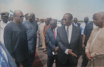 The arrival of the President of Ghana to Sierra Leone during the Ebola Crisis